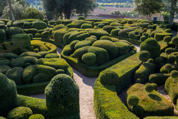 romantische & malerisch schöne Gärten im französischen Charme
